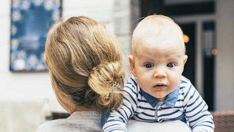 pourquoi faire roter un bebe